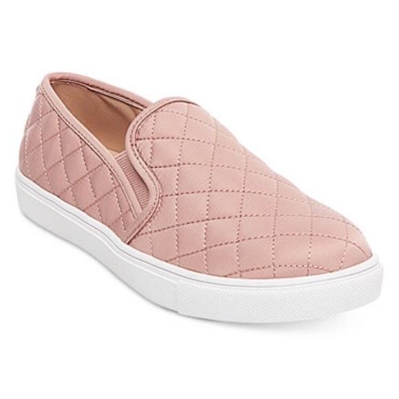 f30c1c72a1c Steve Madden Shoes - Steve Madden quilted blush slip-on sneaker